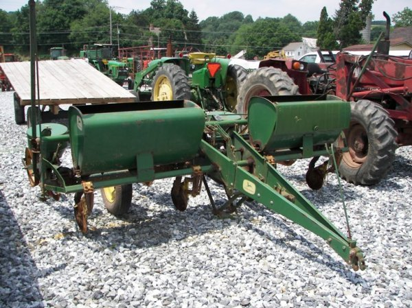 1467 John Deere 494 4 Row Corn Planter For Tractors