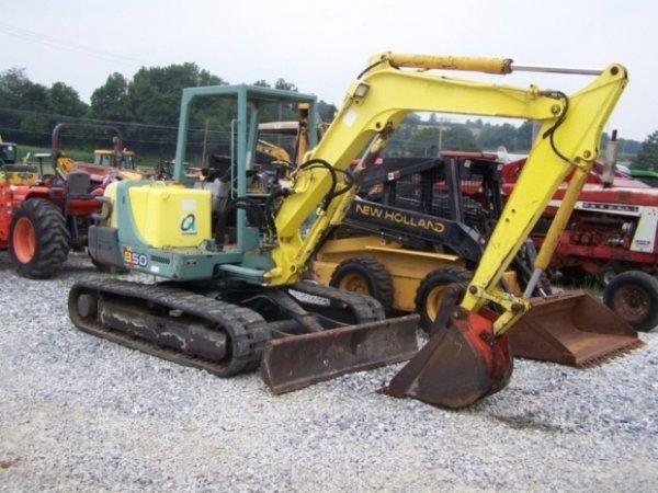 320 yanmar b50 mini excavator with manual thumb rh liveauctioneers com  Yanmar B37