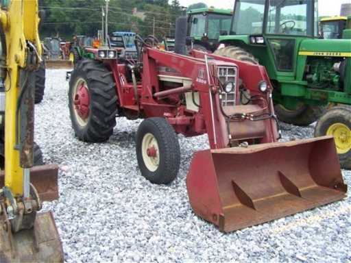 347 International 574 Tractor With Loader