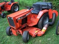 2704: 1988 Ingersoll 444 Garden Tractor with Bagger