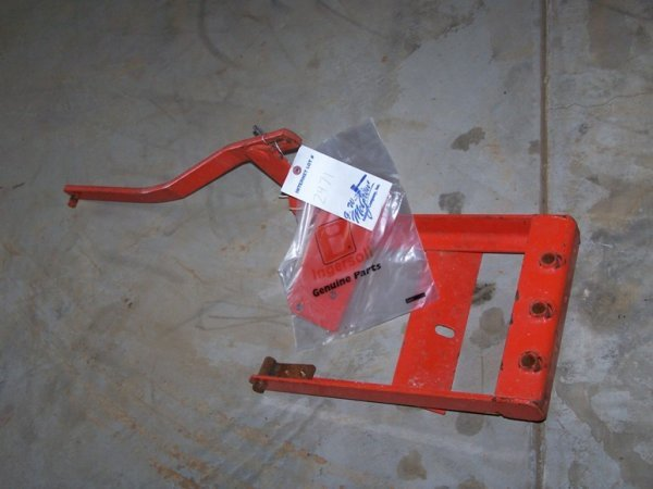 2471: J22 Case Garden Tractor Sleeve Hitch