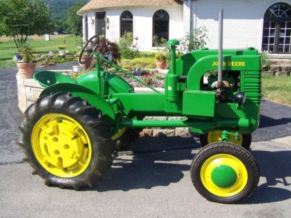 3101: 1944 Restored John Deere LA Antique Tractor
