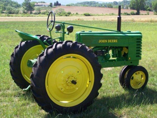 3105: 1941 Restored John Deere H Antique Tractor