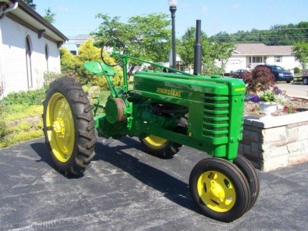 3106: 1939 John Deere H Hand Start Antique Tractor