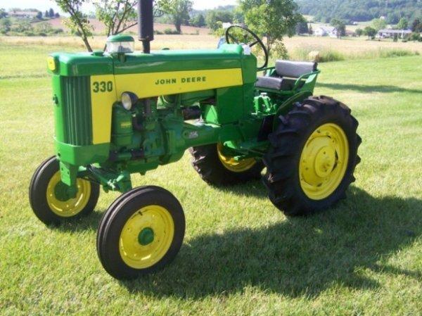 Gw mcgrew auction company inc absolute antique john deere 3108 1959 john deere 330 standard antique tractor rare jeuxipadfo Images
