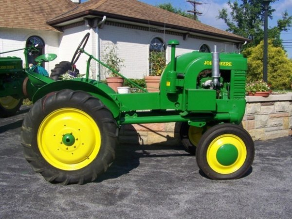 3102: John Deere L Antique Tractor