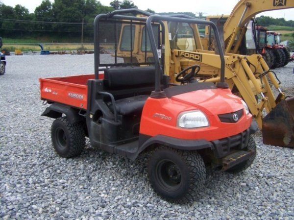 2: Kubota RTV 900 4x4 Utility Vehicle