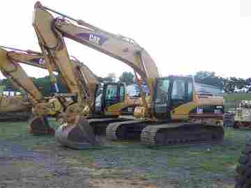 84: Caterpillar 324CL Excavator with EROPS Nice