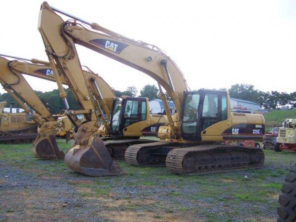 84: Caterpillar 324CL Excavator with EROPS Nice