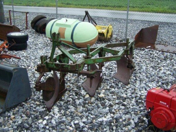 4010: 3Pt 3 Bottom Plow for Tractors