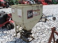 4031: Herd Broadcast 3pt Spin Spreader for Tractors