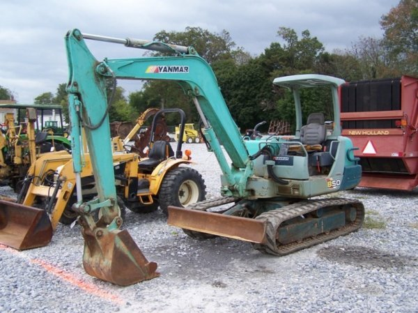 392: Yanmar B50 Excavator with OROPS, Rubber Tracks