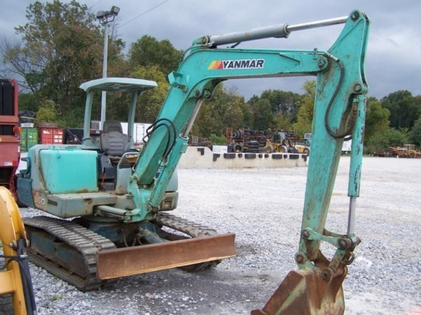 392: Yanmar B50 Excavator with OROPS, Rubber Tracks - 3