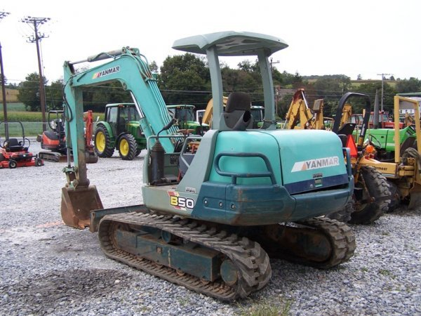 392: Yanmar B50 Excavator with OROPS, Rubber Tracks - 5