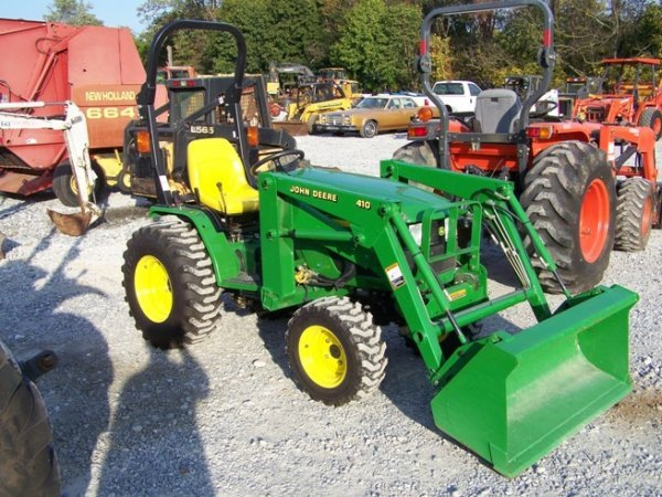 394: John Deere 4110 4x4 Compact Tractor with Loader