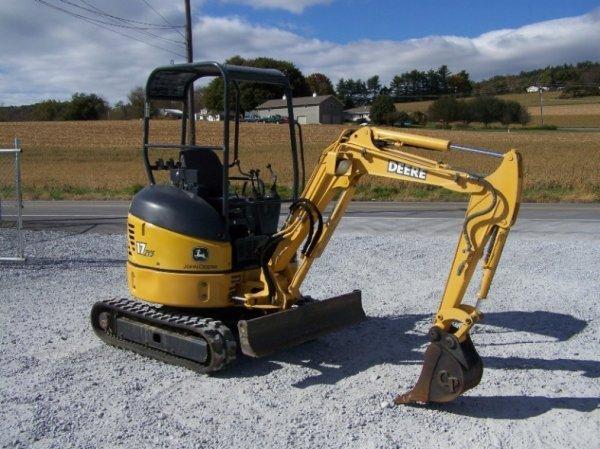 1296: John Deere 17 ZTS Mini Excavator with OROPS