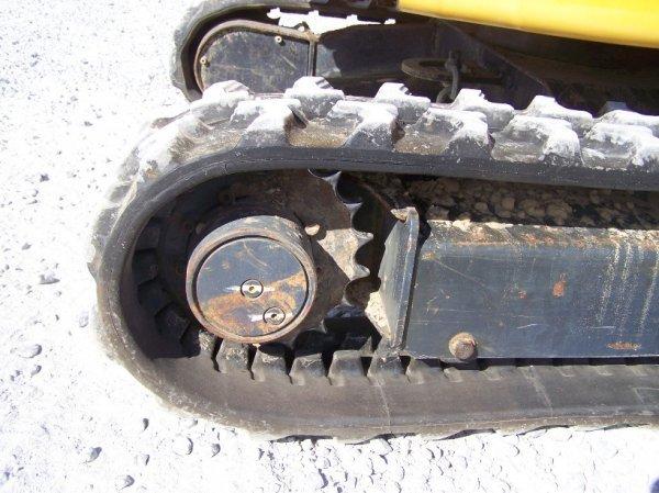 1296: John Deere 17 ZTS Mini Excavator with OROPS - 6