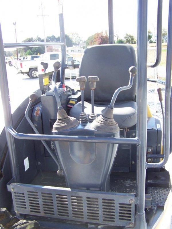 1296: John Deere 17 ZTS Mini Excavator with OROPS - 9