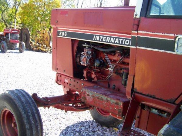 1410: International 886 Farm Tractor with Cab - 6