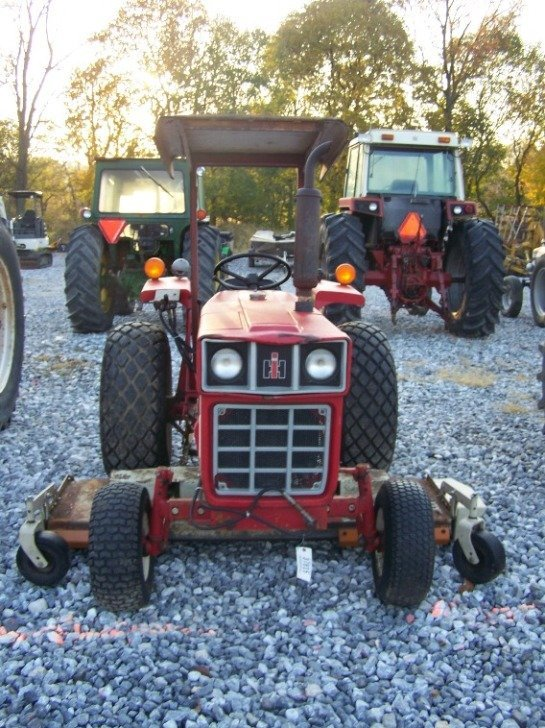 1485: International 284 Compact Tractor with Woods Bell - 2