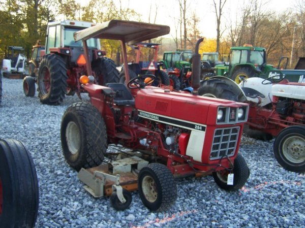 1485: International 284 Compact Tractor with Woods Bell - 3