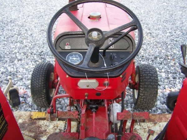 1485: International 284 Compact Tractor with Woods Bell - 6