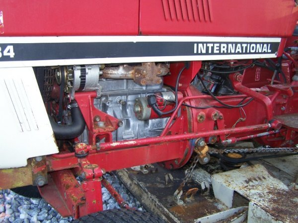 1485: International 284 Compact Tractor with Woods Bell - 9