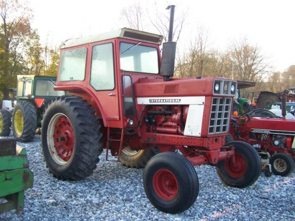 1484: International 766 Farm Tractor with Cab, Dual PTO