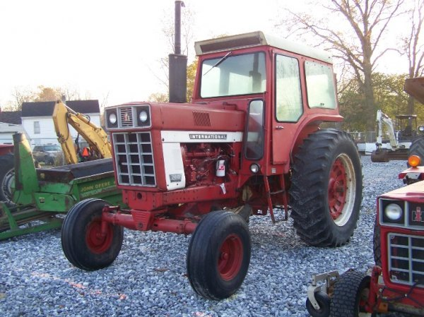 1484: International 766 Farm Tractor with Cab, Dual PTO - 3