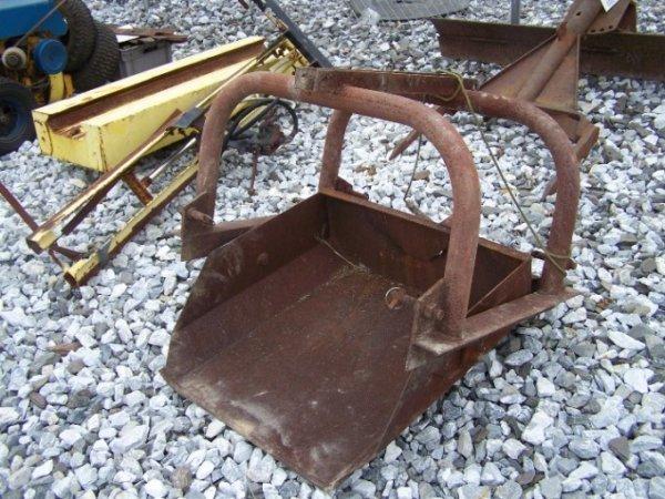 1012: 3pt Dirt Scoop For Tractors
