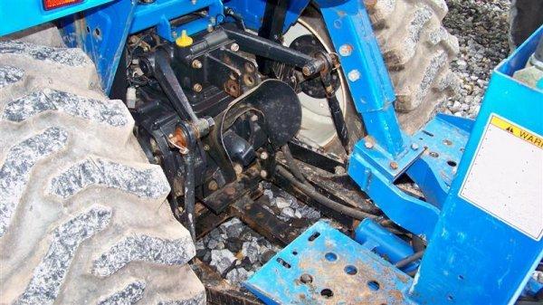 1257: New Holland TC30 4x4 Tractor Loader Backhoe - 6