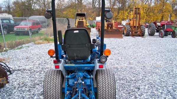 1447: Ford 1220 4x4 Compact Tractor with Loader, - 4