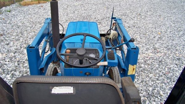 1447: Ford 1220 4x4 Compact Tractor with Loader, - 6