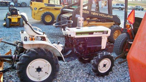 1382A: Bolens 1704 Hydro Compact Tractor, Diesel