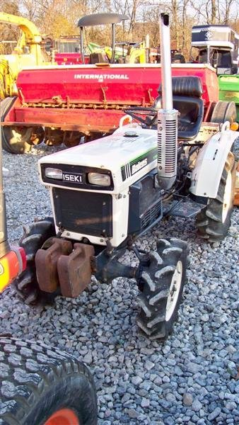 1382A: Bolens 1704 Hydro Compact Tractor, Diesel - 3