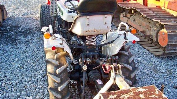 1382A: Bolens 1704 Hydro Compact Tractor, Diesel - 4