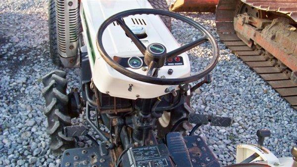 1382A: Bolens 1704 Hydro Compact Tractor, Diesel - 6