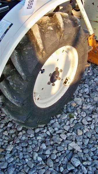 1382A: Bolens 1704 Hydro Compact Tractor, Diesel - 8