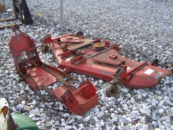 1033: Case IH 61M Belly Mower for Tractors