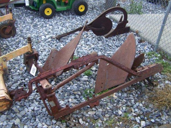 1006: Massey Ferguson 3pt 2 Bottom Plow for Tractors