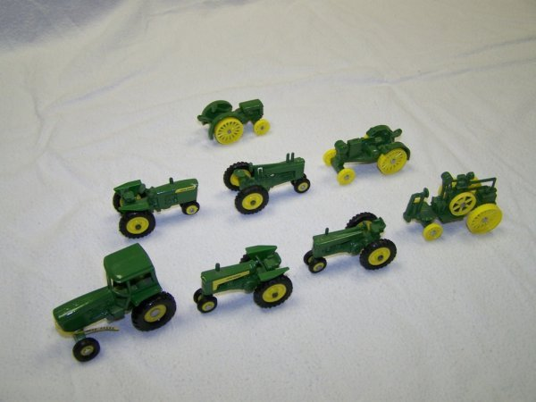 1: John Deere Miniature Toy Tractor Set In Boxes