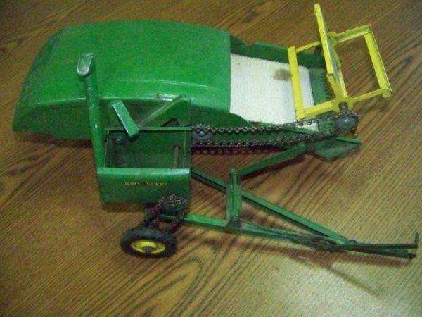 103: Original John Deere Pull Type Combine Farm Toy