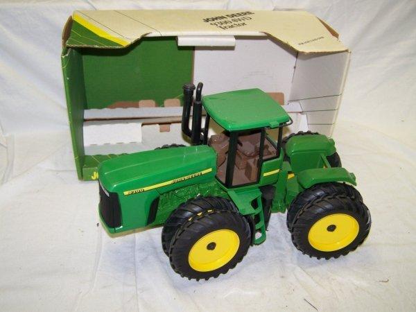 322: Ertl John Deere 9300 Toy Farm Tractor With Duals