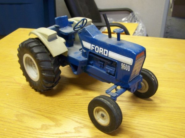 20: Ford 9600 Toy Farm Tractor