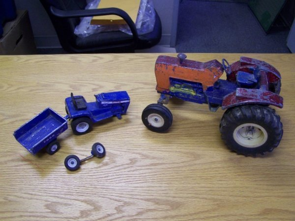 18: Ford 9600 Toy Tractor & Ford Garden Tractor Toys