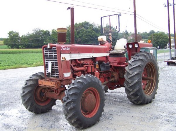 2214: International 1256 4x4 Farm Tractor Original