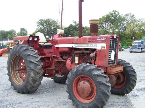 2214: International 1256 4x4 Farm Tractor Original - 3