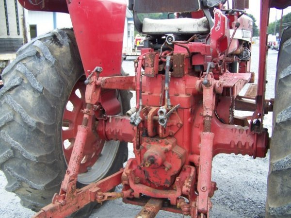 2214: International 1256 4x4 Farm Tractor Original - 5