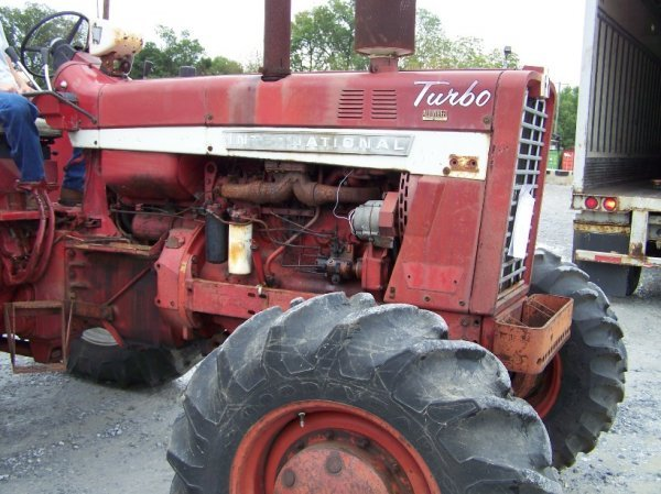 2214: International 1256 4x4 Farm Tractor Original - 9