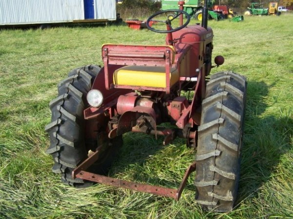 2236: Massey Harris Pacer Antique Tractor Original - 3
